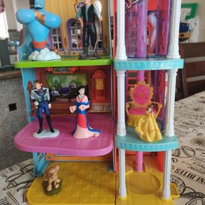 Small Little Castle And Disney Figures for Sale in Glendale, AZ