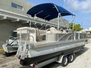 2015 25' bennington pontoon boat hull for Sale in Hollywood, FL