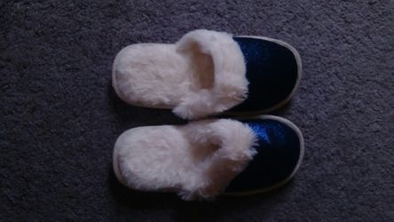 Slippers for Sale in Cleveland,  OH
