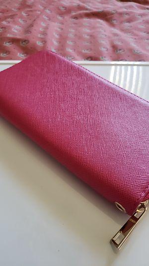 Pink wallet for Sale in Hemet, CA