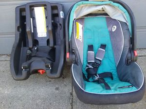 GRACO Snugride click Connect 35 for Sale in Los Angeles, CA