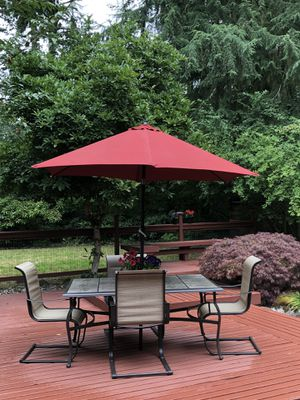 Patio furniture with seating for 6! for Sale in Puyallup, WA