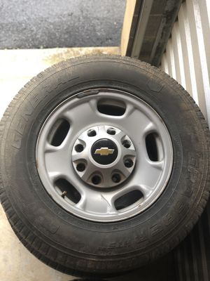 Stock Silverado 2500hd Wheels and Tires for Sale in St. Louis, MO