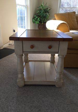 End Table for Sale in Crownsville, MD