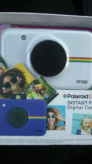 Brand new portable polaroid instant picture camera for Sale in Fort Washington, MD