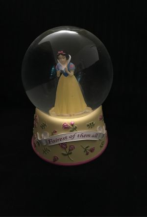 Disney snow globe Snow White for Sale in Lafayette, CA