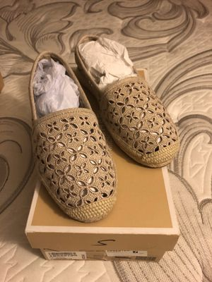 Michael Kors Darci Slip on- Natural color- Size 7.5 for Sale in San Diego, CA