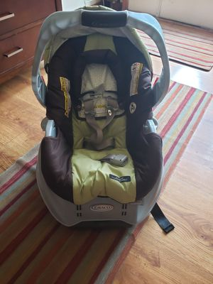Graco classic connect infant car seat for Sale in Gahanna, OH