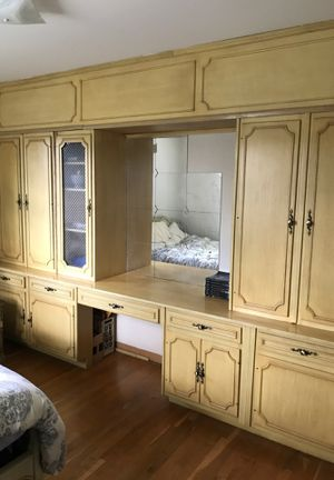 Antique Floor to ceiling Cabinet set with Vanity for Sale in Silver Spring, MD