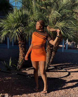 Fashion nova medium dress for Sale in Dallas, TX