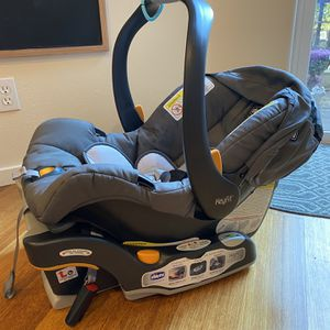 Chicco Key fit Infant Car Seat With Base for Sale in Hillsboro, OR