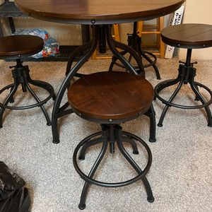 Dining or breakfast table for Sale in Houston, TX