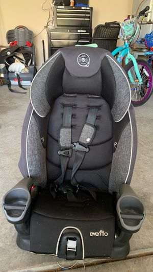 Evenflo Car seat in great condition used 2 months for Sale in Lake Wylie, SC