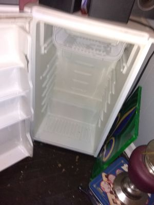 Mini fridge for Sale in St. Louis, MO