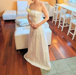 White simple wedding dress with a fake white flower for Sale in Pasadena, CA