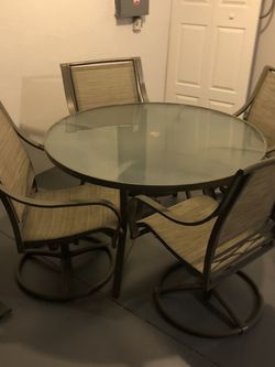 Outdoor Table Set for Sale in Cape Coral,  FL