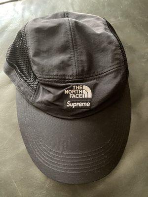 Supreme the north face sun shield hat for Sale in Phoenix, AZ