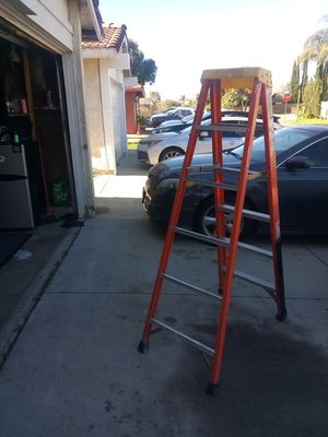 Ladder 6ft for Sale in Grand Terrace, CA