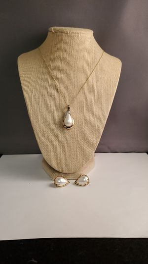20inch 14k gold pearl-diamonds necklace clippon earrings for Sale in Vancouver, WA