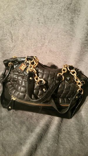 Black purse with gold chain for Sale in Oceanside, CA