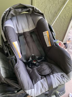 Baby trend stroller and car seat and base for Sale in Altamonte Springs, FL