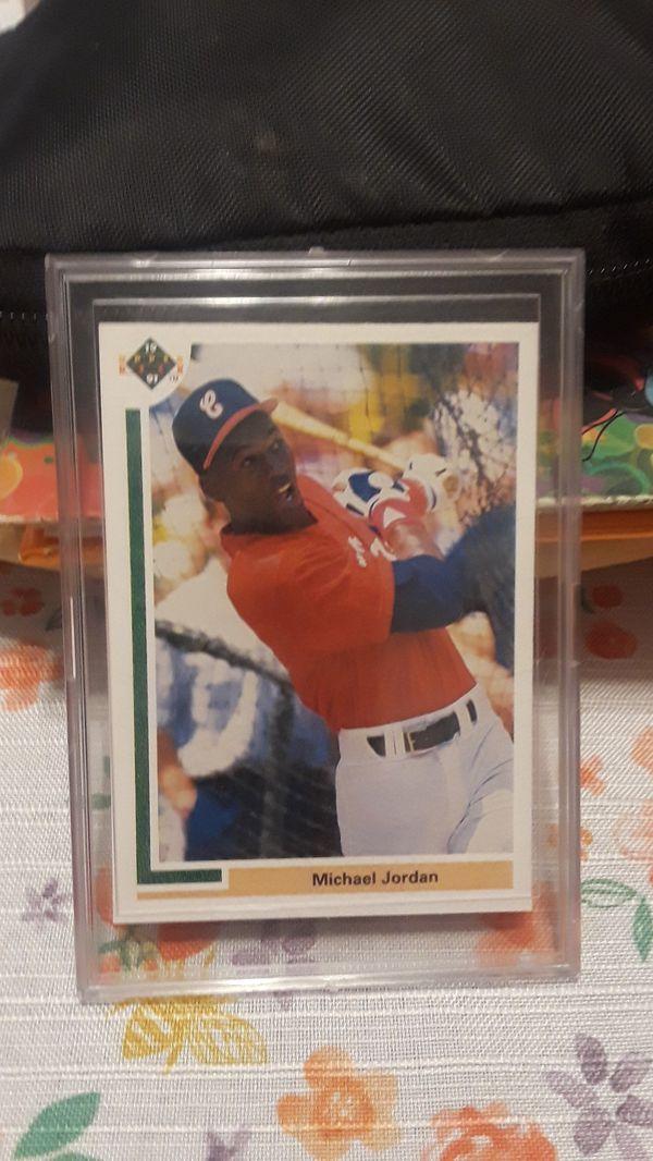 Michael Jordan baseball card