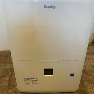 Danby Dehumidifier ddr070bdpwdp for Sale in Chicago, IL