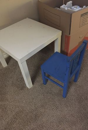 Kids chair and ikea side table for Sale in Irving, TX