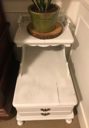 White Vintage Telephone Table for Sale in Glendale, CA