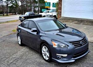 exceptional 2O13 Altima for Sale in Muskegon, MI