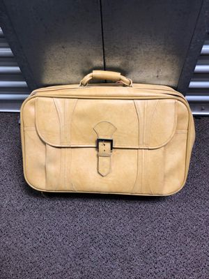 Classic American Tourists Yellow luggage bag for Sale in Poway, CA