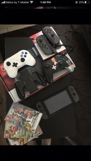 Nintendo Switch 3 games 3 extra controllers bundle for Sale in Fort Lauderdale, FL