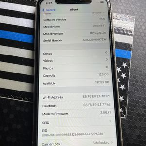 iPhone 11 Att Cricket 128gb for Sale in Encinitas, CA