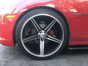 Wheels bassani 22' whit tires for Sale in Redwood City, CA