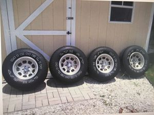 Alloy Wheels for Sale in St. Petersburg, FL
