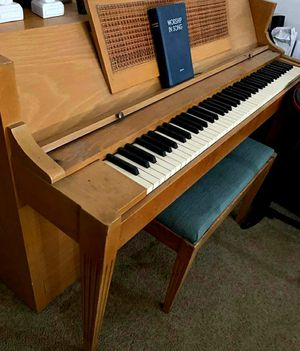 Acrosonic upright piano and bench FREE for Sale in Nipomo, CA