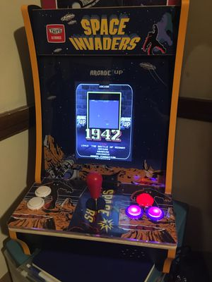 Arcade Countercade w/ 100+ games. Raspberry pi & 2nd player with controller. for Sale in Cleveland, OH