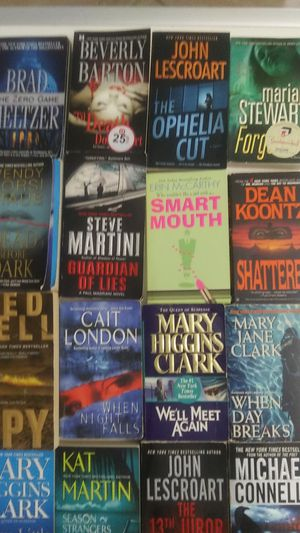 Lot of 16 paperback books. Mystery and Crime for Sale in Pompano Beach, FL