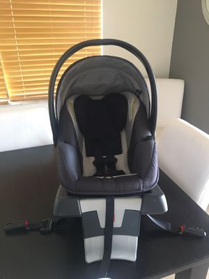 Baby Car Seat, GB infant car seat. $45 Great Deal ! for Sale in Hialeah, FL