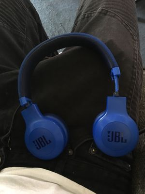JBL Wireless Headphones for Sale in Euclid, OH