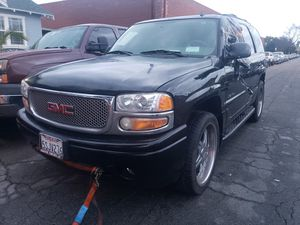 2006 gmc yukon denali(part outl for Sale in Los Angeles, CA
