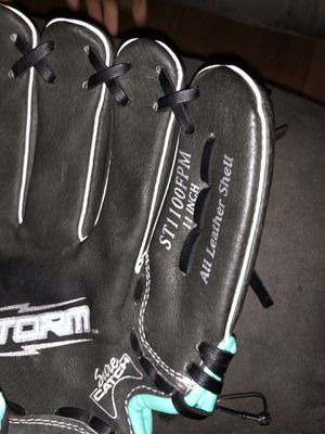Rawlings softball glove for Sale in Stockton, CA