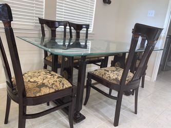 Dining table with five chairs good condition for Sale in Richmond,  TX