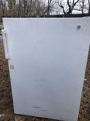 Ge mini refrigerator for Sale in Haymarket, VA