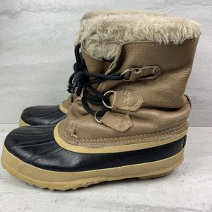 Sorel snow boots youth kids size 5 for Sale in Camp Hill, PA
