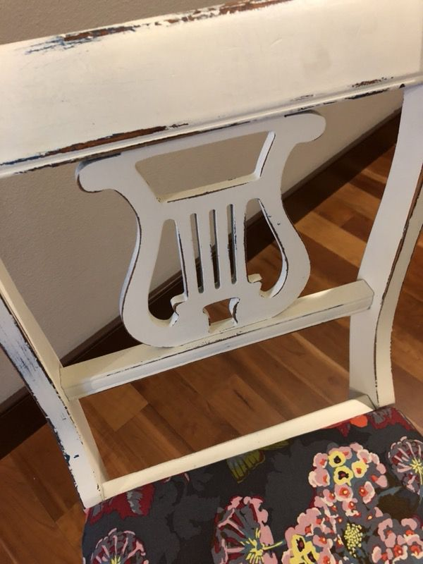 Antique girly chair