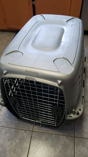 Petmate 28 inch dog kennel for Sale in New Stanton, PA