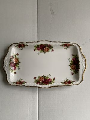 Vintage antique ROYAL ALBERT BONE CHINA VANITY OR SERVING TRAY Old Country Roses made in England 11.5x6.75 inches for Sale in Hialeah, FL