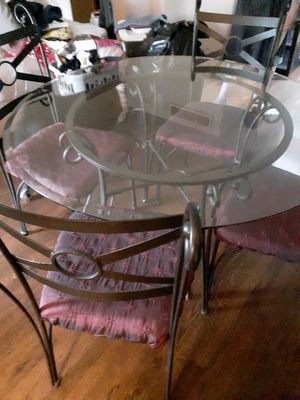 Kitchen table and four chairs for Sale in Dearborn Heights, MI