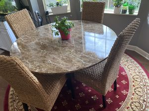 Round dining table with 4 chairs for Sale in Brentwood, TN